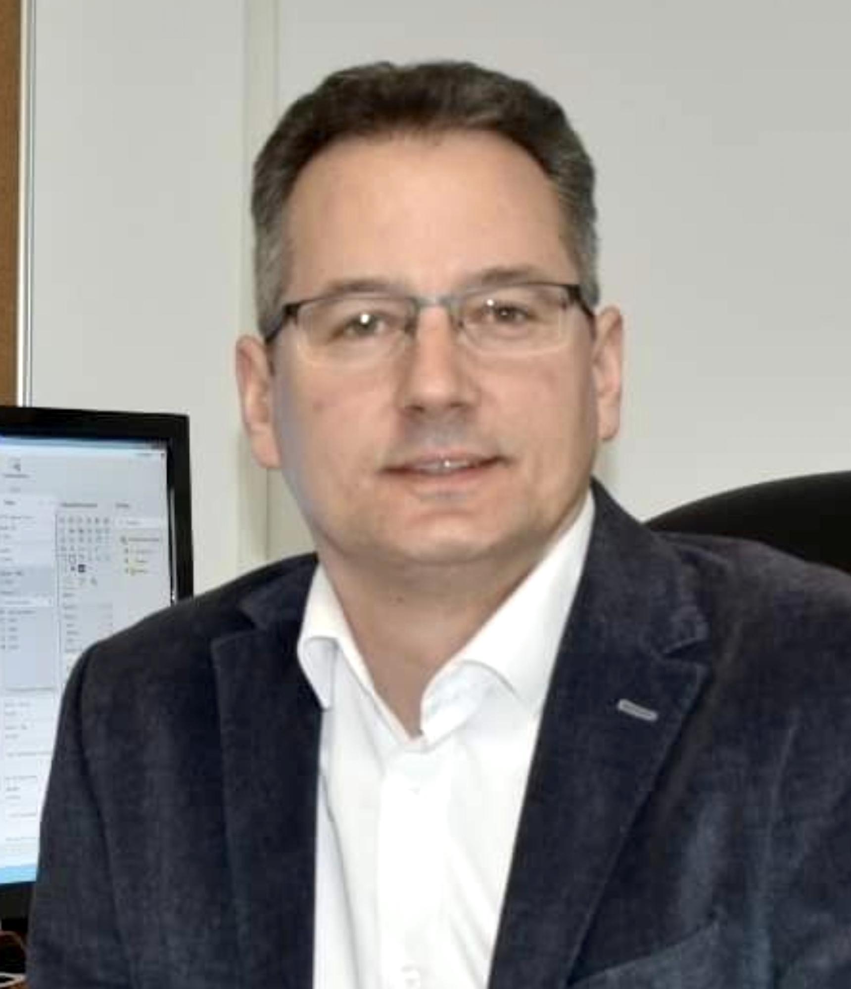 """Fostul președinte al Asociației Județene de Turism Sibiu a decedat la 47 de ani. """"Medicul i-a recomandat să nu se vaccineze"""""""