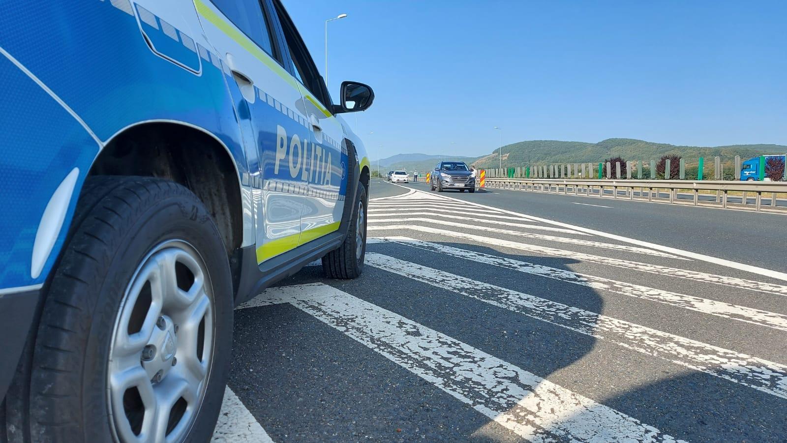 Una din cinci mașini verificate astăzi de polițiști pe autostradă, lângă Sibiu, avea probleme tehnice