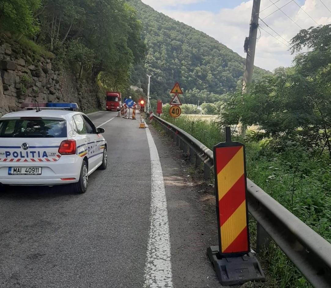 O lună de restricții și trafic alternativ pe Valea Oltului