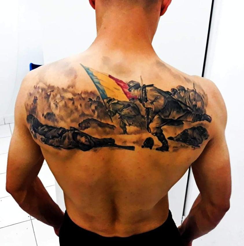 """Fotbalistul sibian care a impresionat printr-un tatuaj patriotic: """"Tricolorii de la echipa națională îmi păreau precum ostașii plecați în luptă"""""""