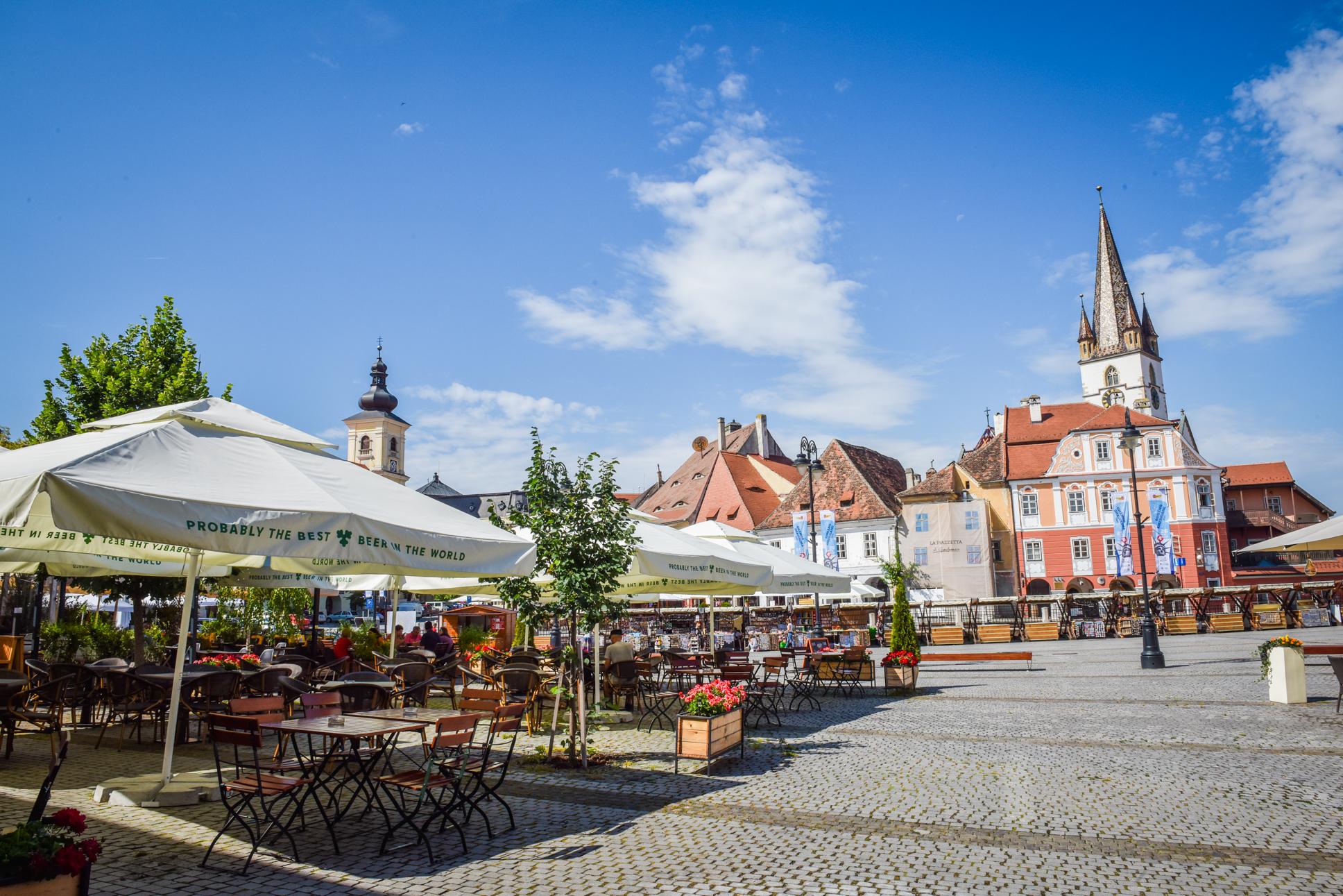 243 de cazuri active în orașul Sibiu. 12 localități au incidența peste 1 la mie
