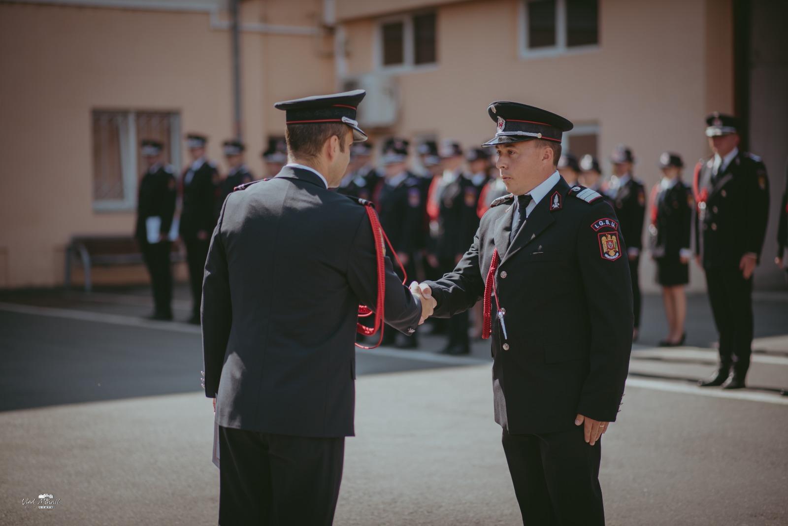 """Pompierul anului la Sibiu: """"de mic copil mergeam să ajut la stingerea incendiilor de vegetație"""""""