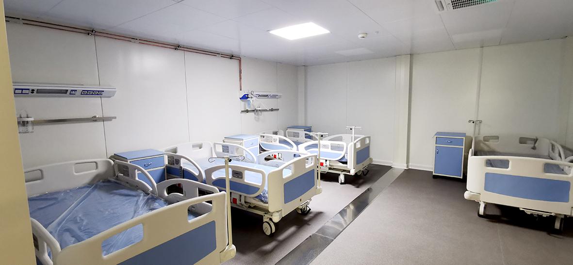 Zece paturi în plus la Spitalul Județean pentru bolnavii de COVID. Numărul spitalizaților depășea ieri 130 de persoane