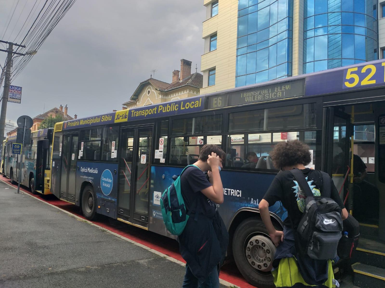 VIDEO Cât de folosite sunt autobuzele școlare, după o săptămână de la lansarea proiectului