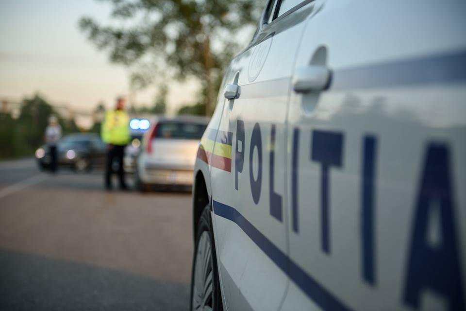 Șoferul care a provocat un accident pe DN14, apoi a fugit, a fost prins de poliție