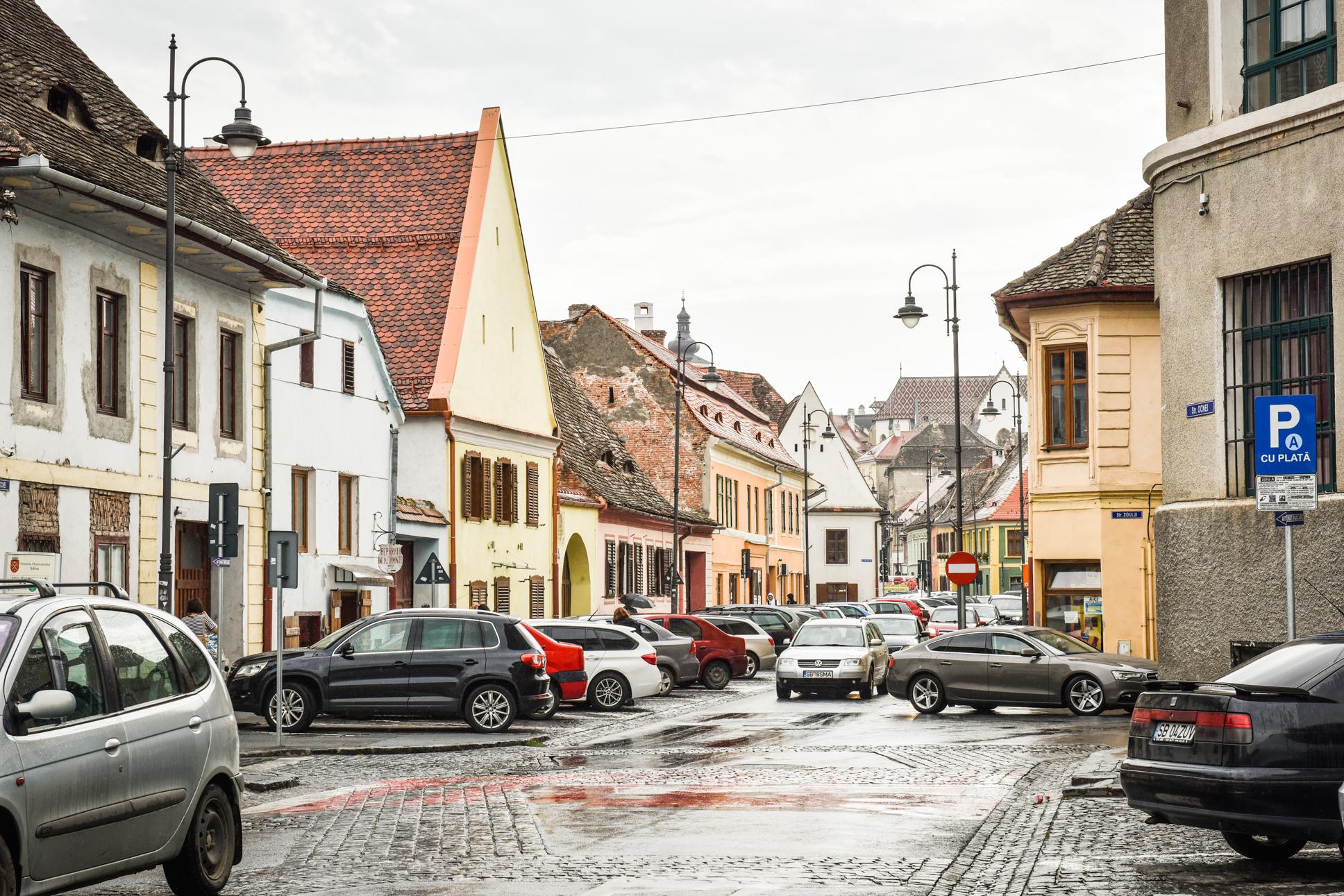 Tot mai aproape de certificatul verde: 2,23 este incidența în municipiul Sibiu, cu 380 de cazuri active. 5 localități din județ au peste 2 la mie rata de infectare