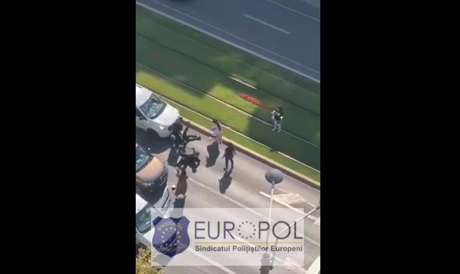 VIDEO. Bătaie cu crosele de golf pe un bulevard din București