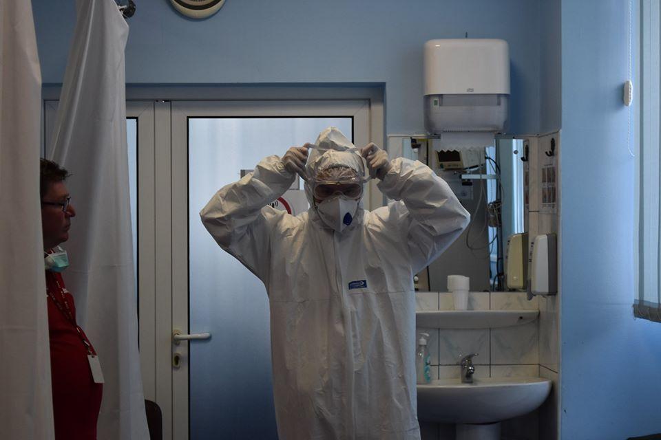 63% dintre cazurile pozitive în sistemul medical din Sibiu sunt vaccinate. Se cere a treia doză