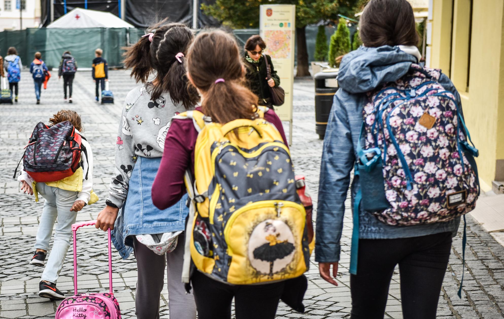136 de dascăli și elevi au fost testați pozitiv în cele două săptămâni de școală