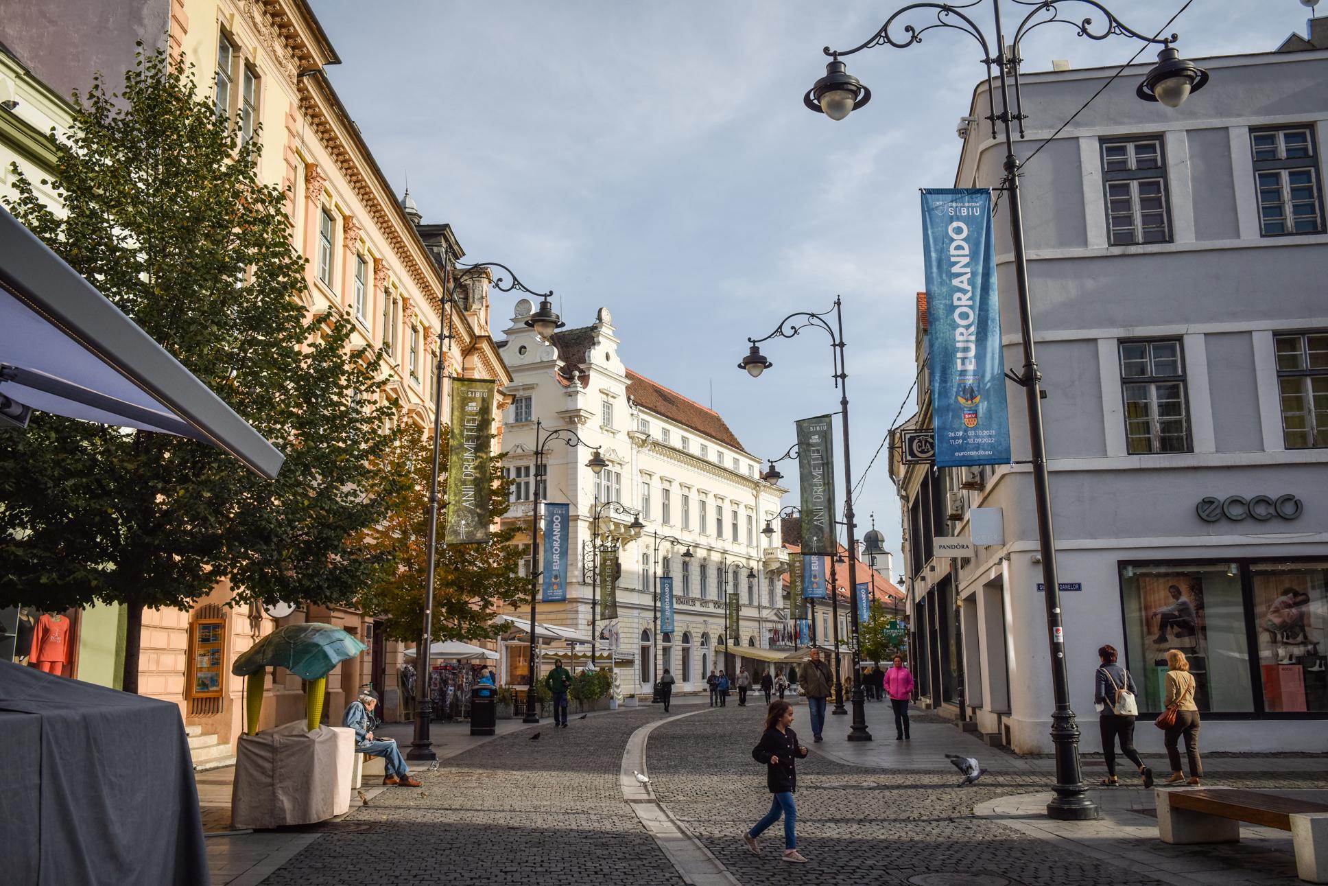 3,77 - incidența crește rapid în Sibiu, cu 641 de cazuri active. Orașul are cea mai ridicată rată de infectare din județ