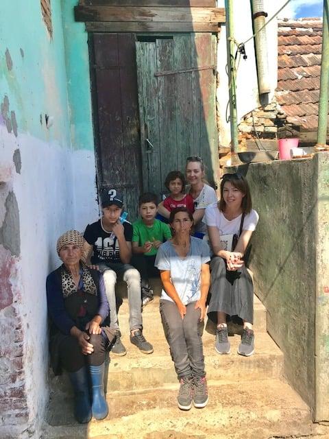 După ce a fost operat de trei ori pe inimă, un băiat de 13 ani din Merghindeal are nevoie de sprijinul sibienilor. Fundația Polisano îi construiește o casă